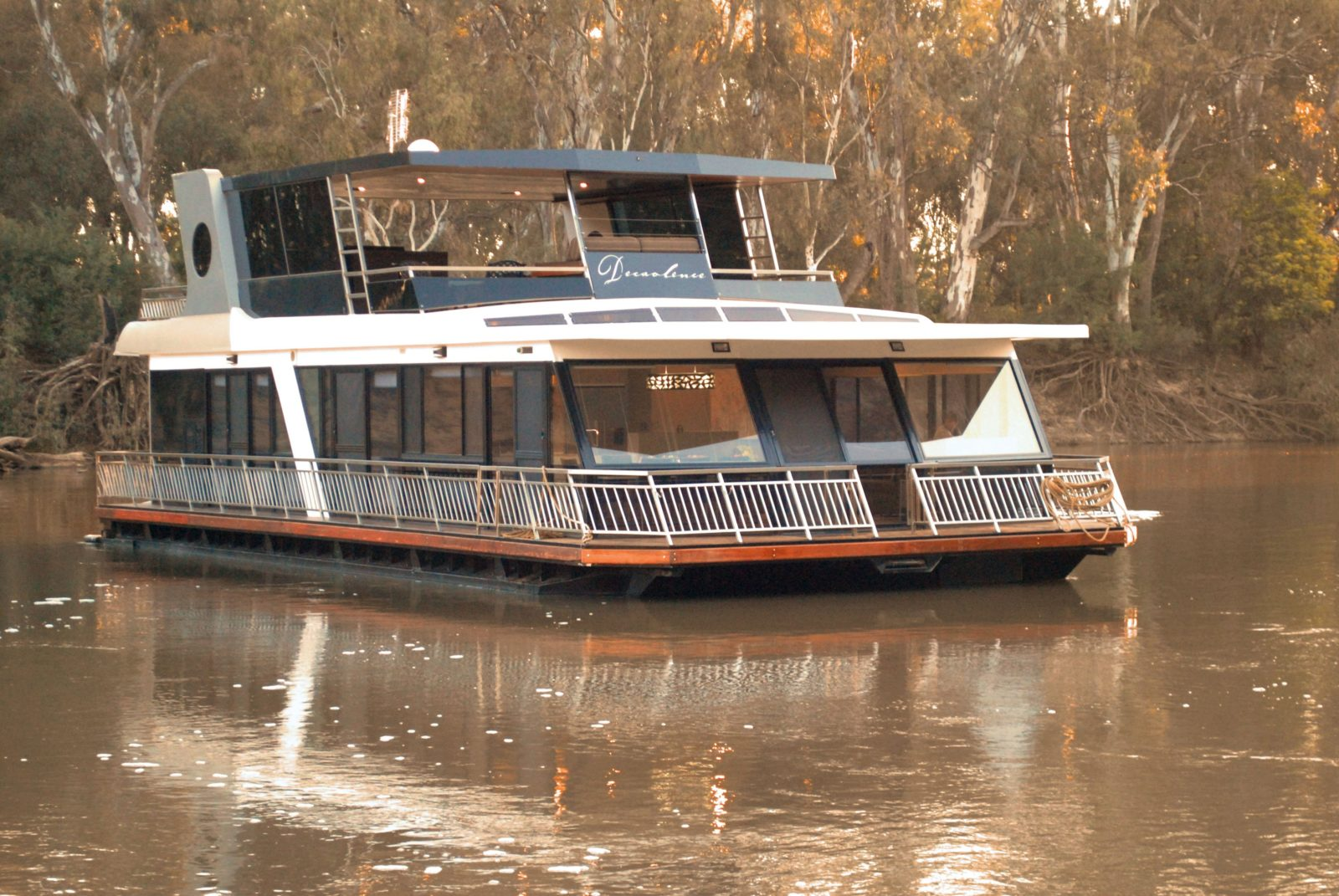 Decadence cruising down the might Murray