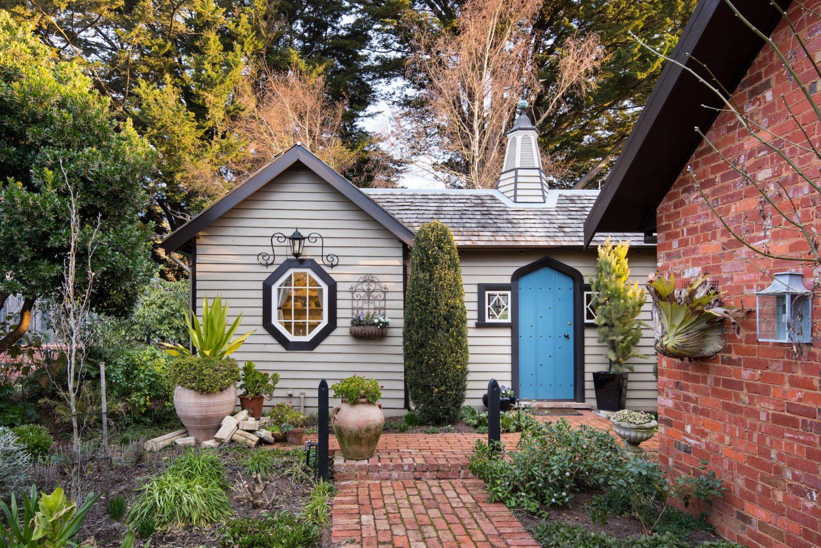 Musk Studio a cosy and romantic escape nestled in Musk Farm