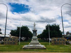 Nathalia - War Memorial Monument