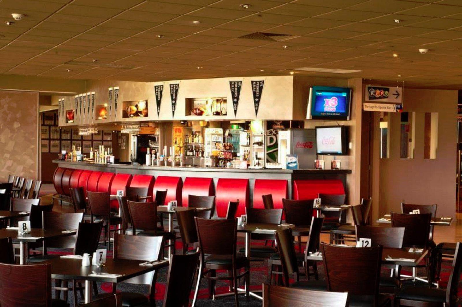 North Ballarat Sports Club bistro bar