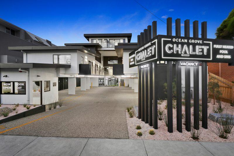 Ocean Grove Chalet entry