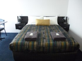Twin Room, Queen Bed and Single Bed