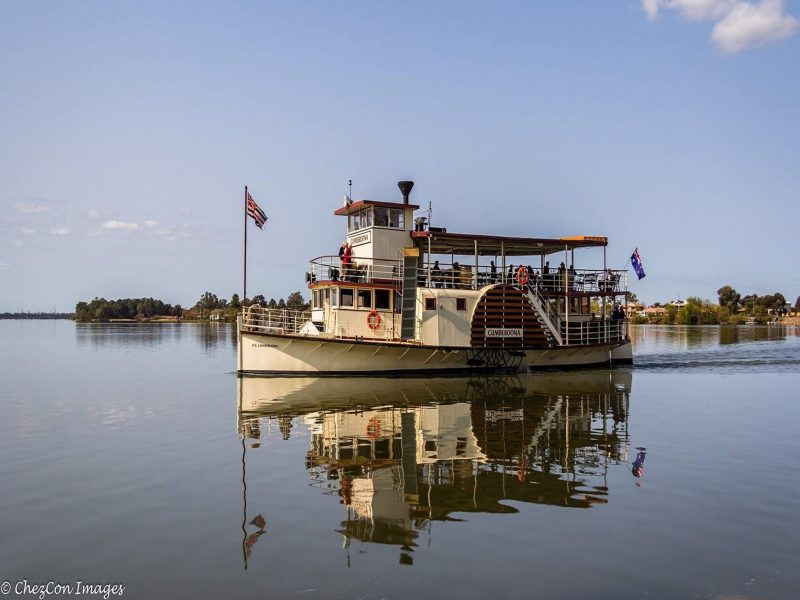 Lake Mulwala's paddlesteamer