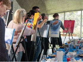Paint and Sip Classes at Leura Park Estate