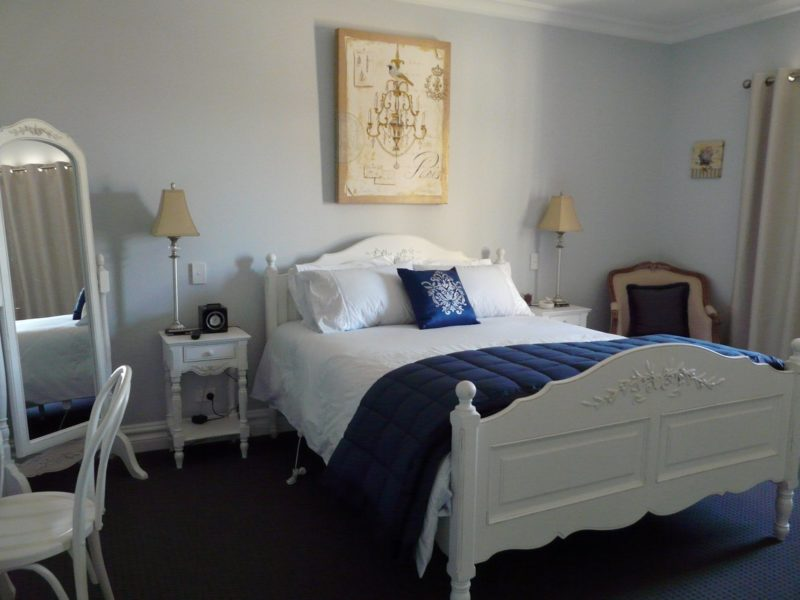 White Room - white french style bedroom
