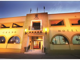 Quality Hotel Mildura Grand is superbly located in the heart of Mildura's shopping and dining precin