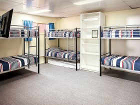 Reindeer Ski Club 6 person dorm with 3 bunk beds