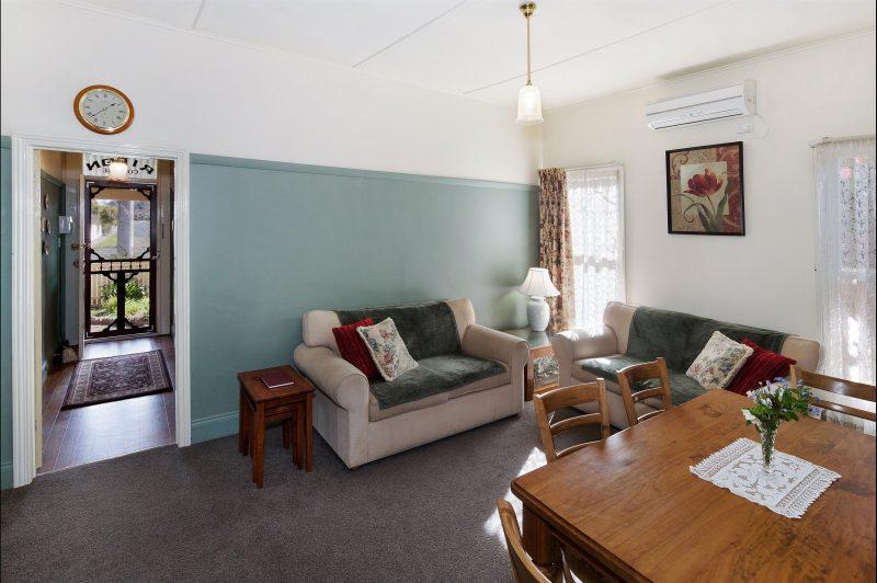 Ripon Cottage lounge