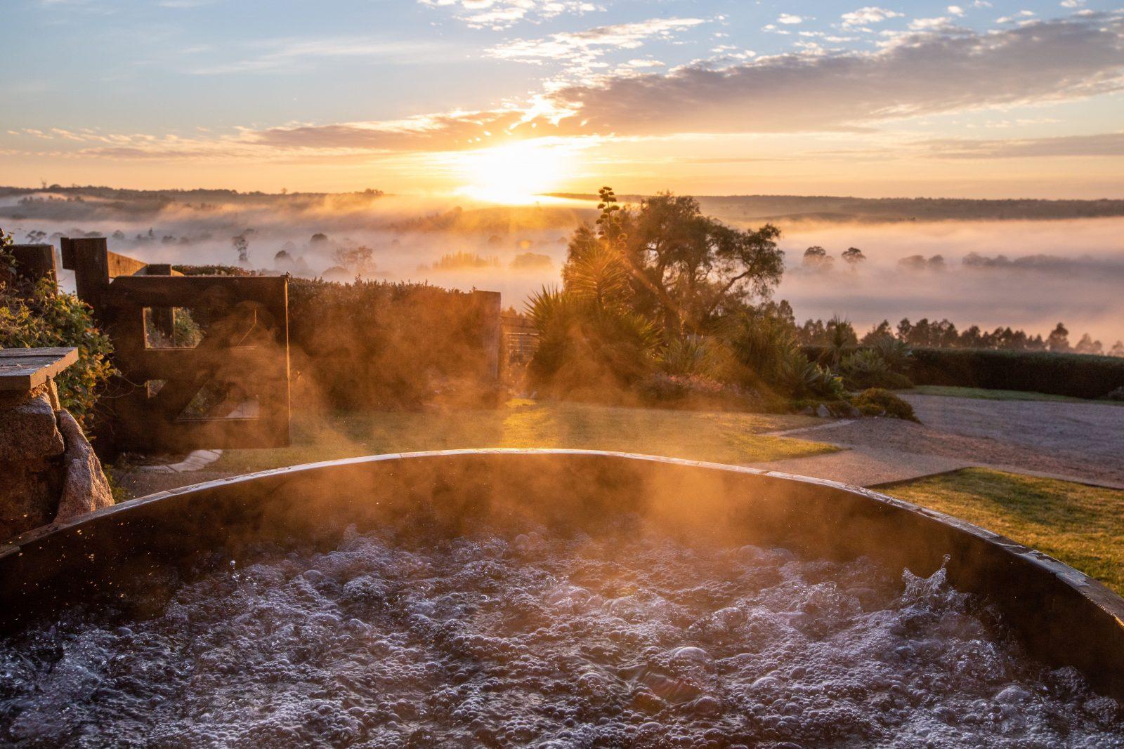 Bag End Cottage - Cedar Hot Tub at Sunrise