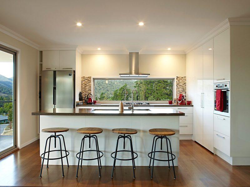 Modern kitchen with Mountain views