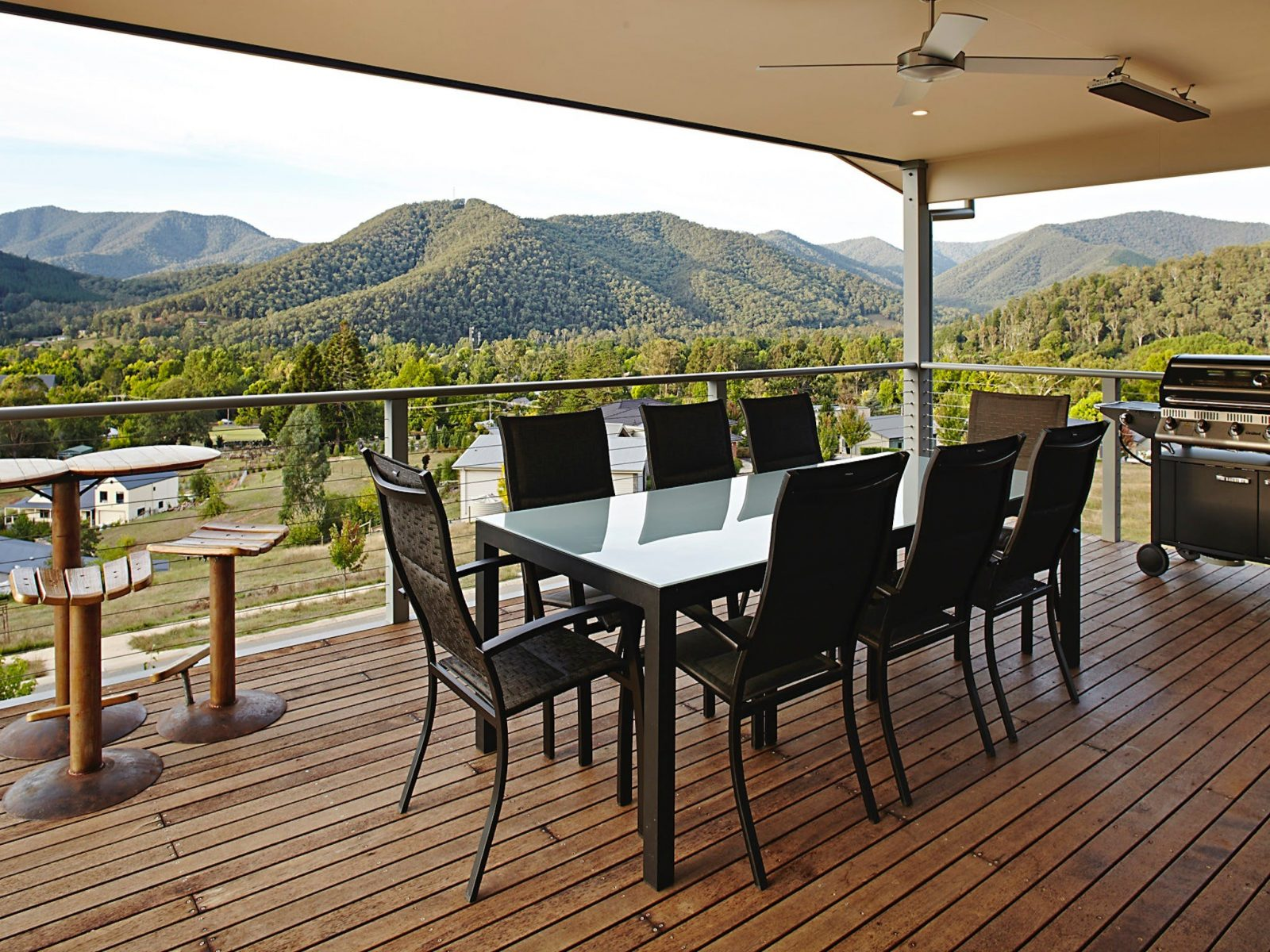 Aruma deck with barbecue and mountain views