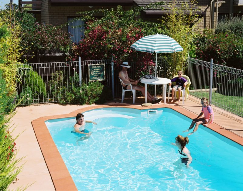 Enjoy the Lakes Entrance sunshine and relax on the deck with an outdoor pool for the family