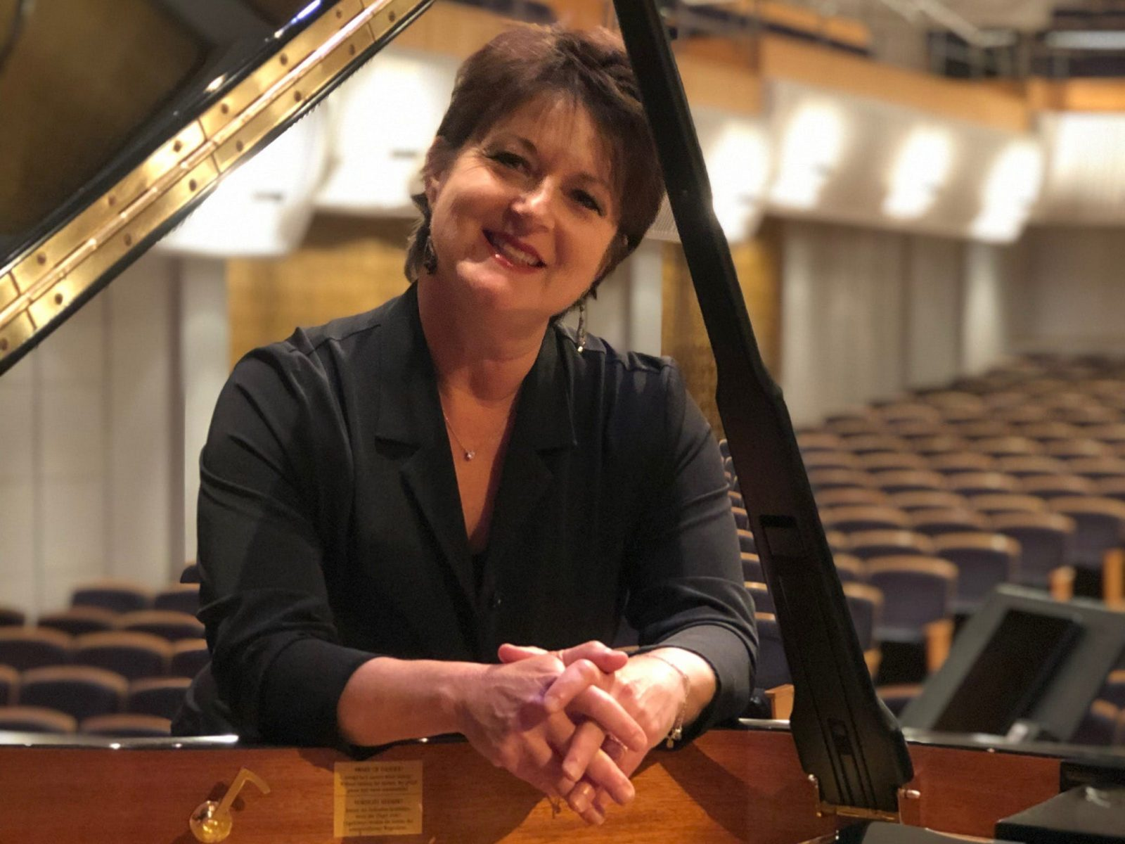Kathryn Selby at the piano