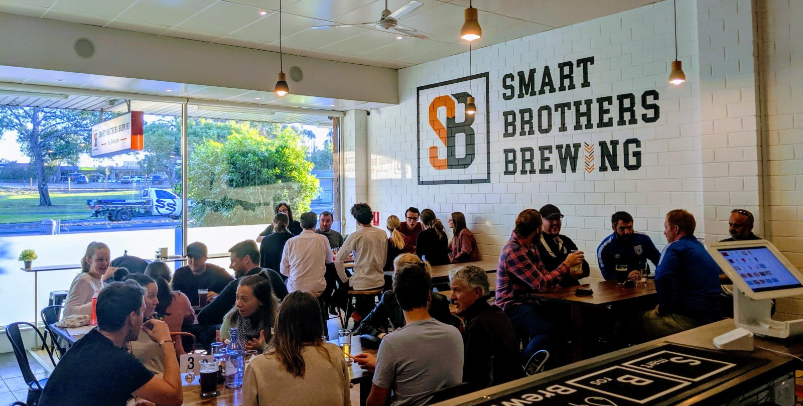 Smart Brothers Brewing - Taproom on a Sunday afternoon