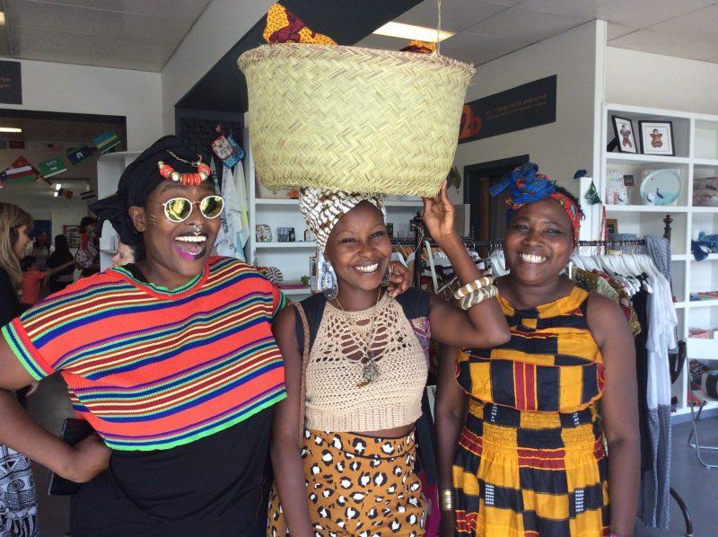 Space2b Laneway fetival African Headwrap workshops