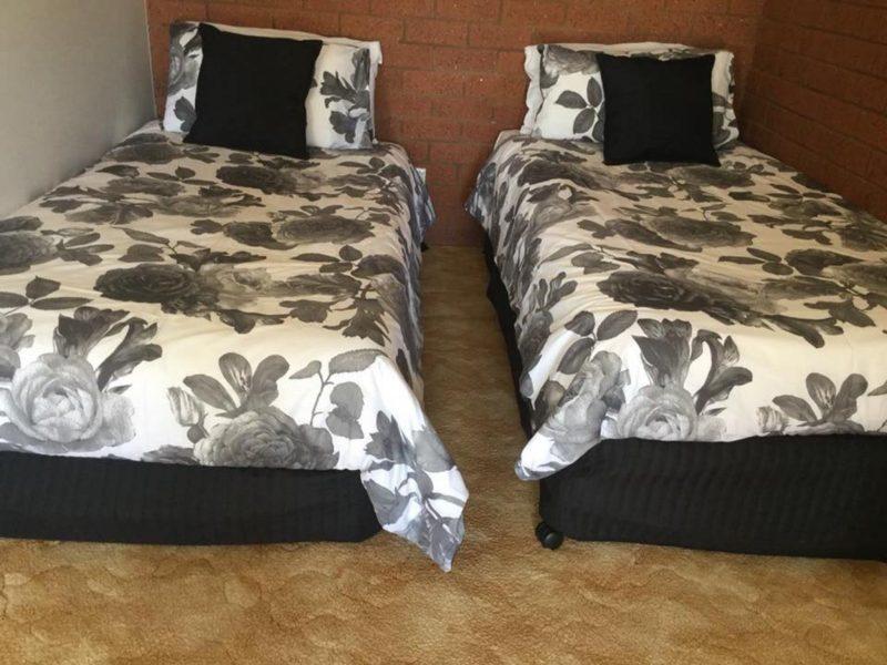 Twin beds Star Hotel in Rutherglen