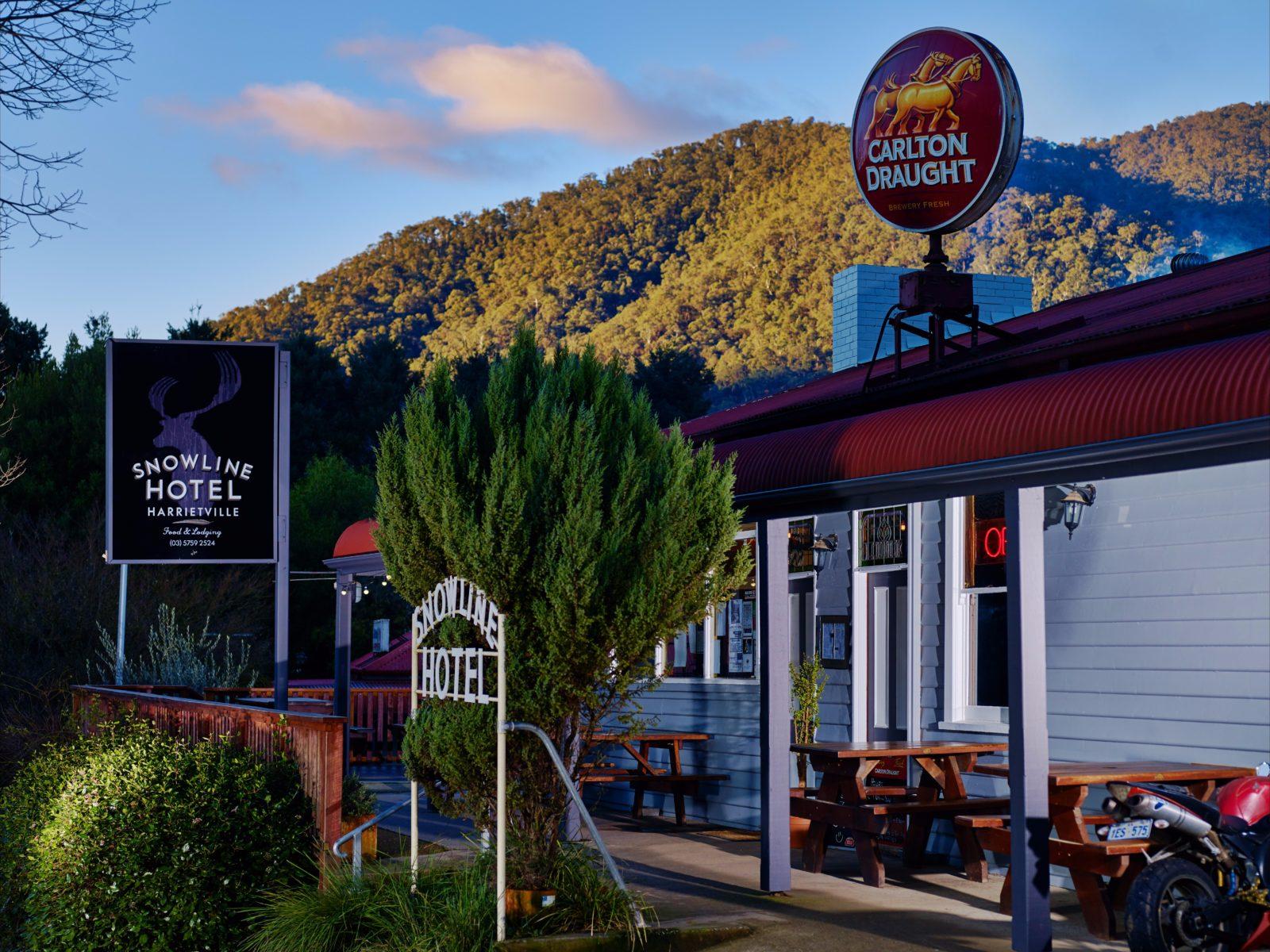 The Harrietville Snowline Hotel