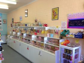 The Pier View Lolly Shop