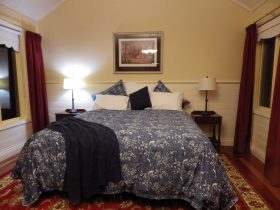 King Size with Luxury linen