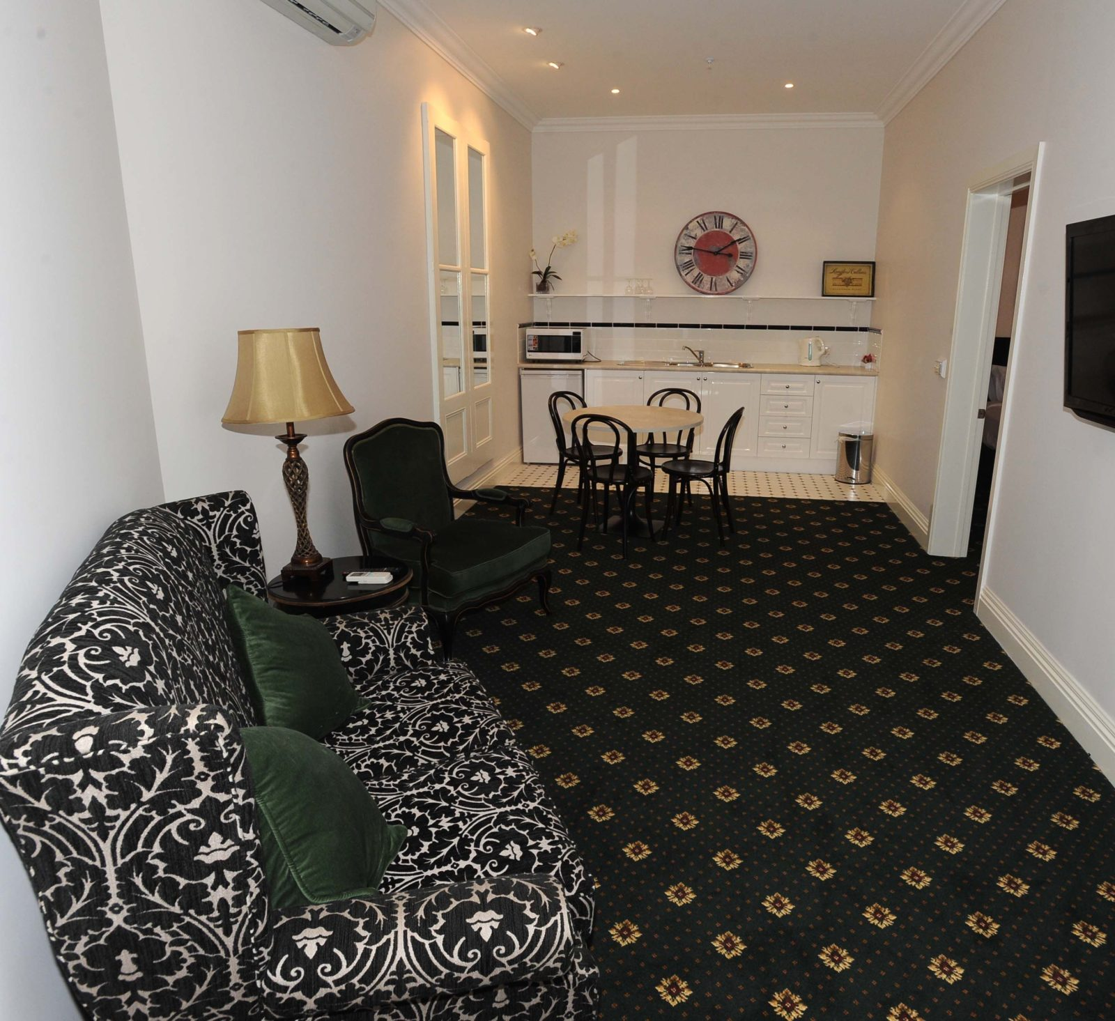 Studio Suite at The Yarrawonga Hotel