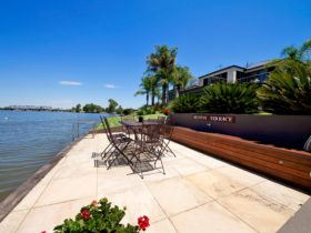 The waterside terrace at Edgewater on Lake Mulwala
