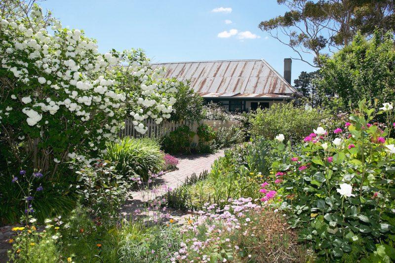 Ziebell's Farmhouse and Garden