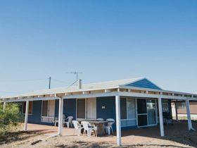 Bay Beach House, Peppermint Grove Beach, Western Australia