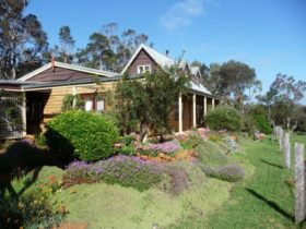 Charnigup Farm Bed and Breakfast, Western Australia