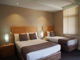 Dongara Hotel Motel, Dongara, Western Australia
