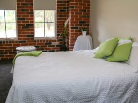 Downunder Farmstays, Perth, Western Australia