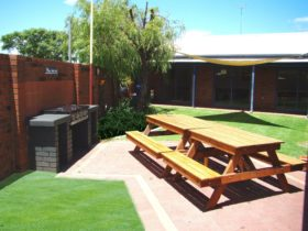 Dunsborough Inn Backpackers, Dunsborough, Western Australia