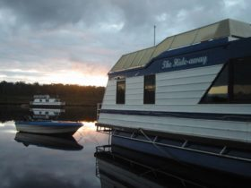 Houseboat Holidays, Walpole, Western Australia