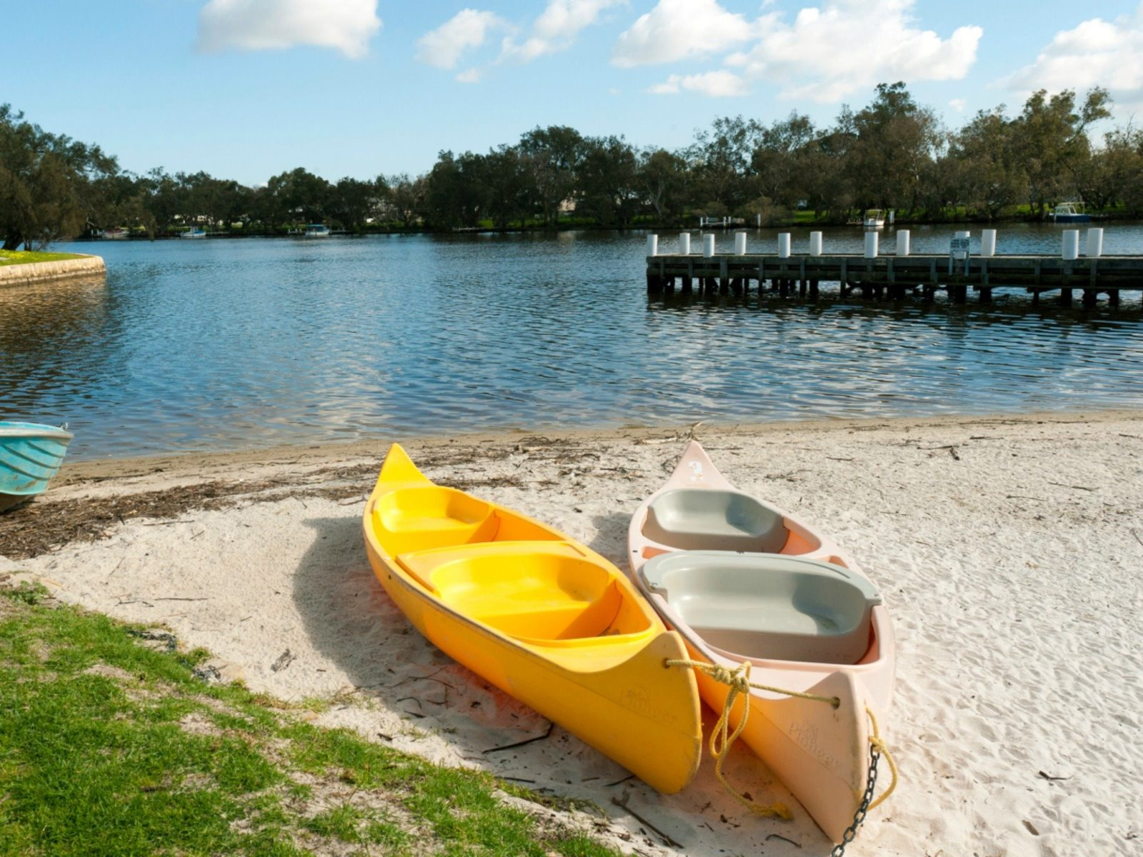 Lakeside Holiday Apartments, South Yunderup, Western Australia