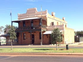 Old Gentleman's Club, Cue, Western Australia
