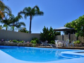 Palms Bed and Breakfast, Warwick, Western Australia