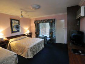 The Clifton Motel and Grittleton Lodge, Bunbury, Western Australia