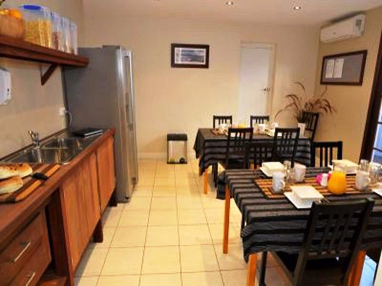 Waikiki Beach Bed and Breakfast, Rockingham, Western Australia
